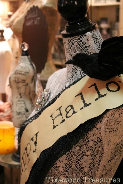 Halloween dressform