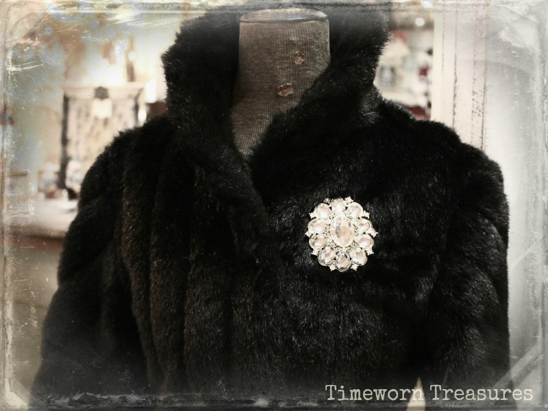 Vintage faux fur jacket with brooch