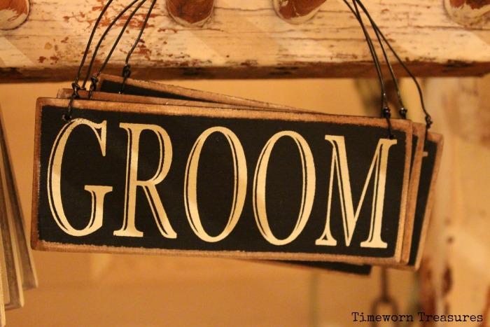 Groom sign