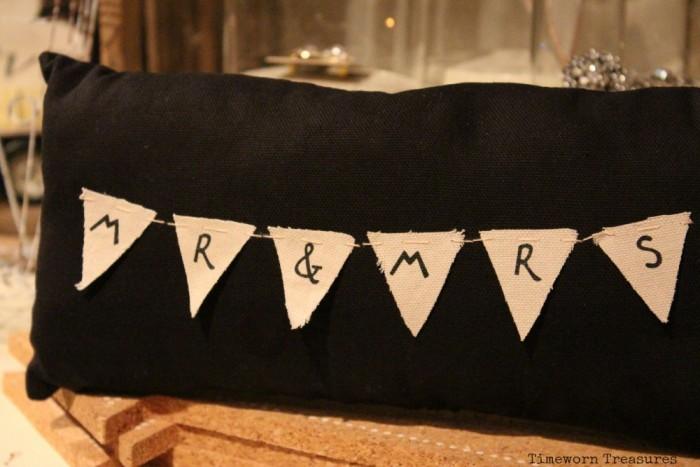 Mr & Mrs banner pillow