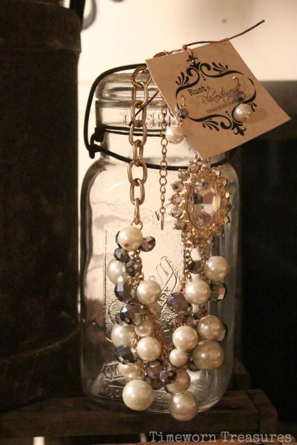 Vintage inspired wedding necklace